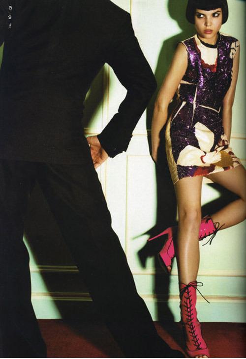 15_carine_roitfeld_vogue_paris_tango_des_passions