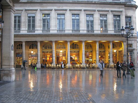 Le_café_bar_de_la_place_colette_à_Paris